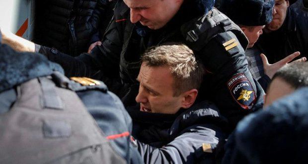 تعتقال أليكسي نافالني زعيم المعارضة الروسية