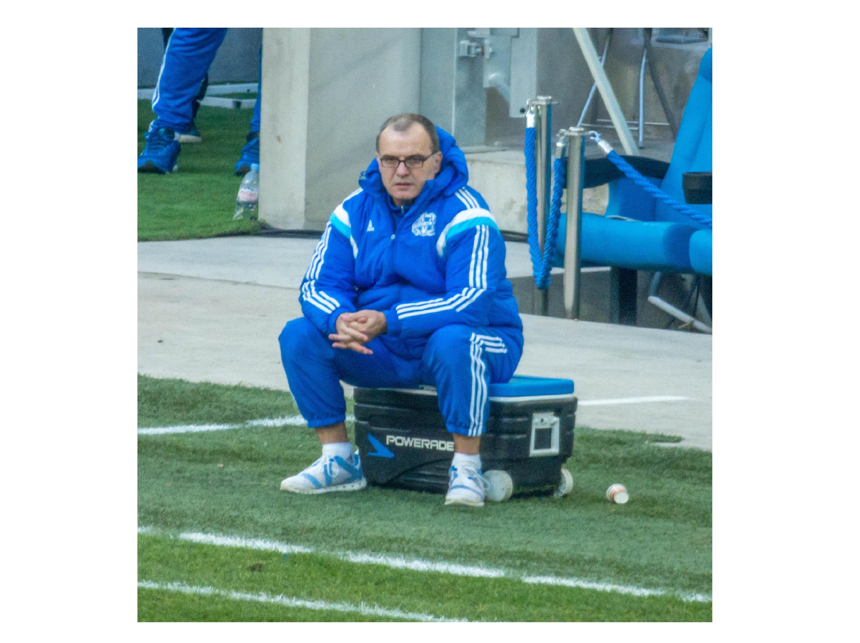 """""""مارسيلو بيلسا"""" مجنون الكرة الشاملة في كوكب الجنون ..."""