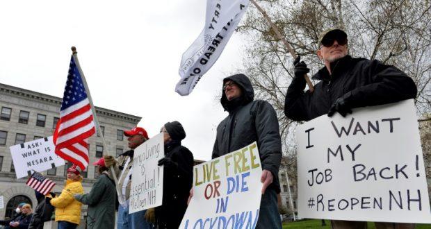 متظاهرون ضد إجراءات الحظر الصحي