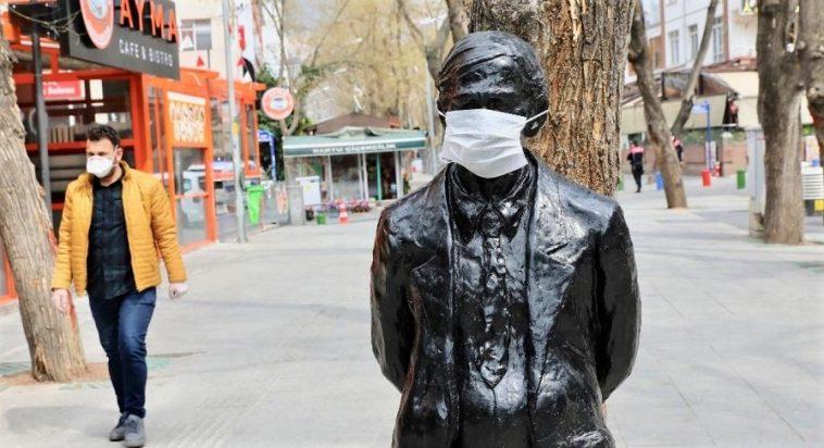 إعلان حظر تجوال مفاجئ في تركيا