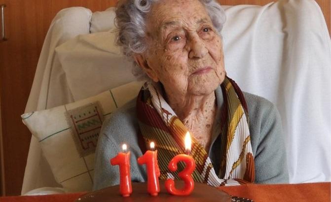أخبار ألمانيا وأوروبا: امرأة إسبانية تبلغ من العمر 113 عاماً تنجو من فيروس كورونا