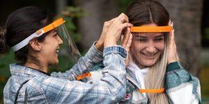 أخبار ألمانيا: شركة ألمانية توزع أقنعة واقية بلاستيكية على جميع طلاب مدينة كولن