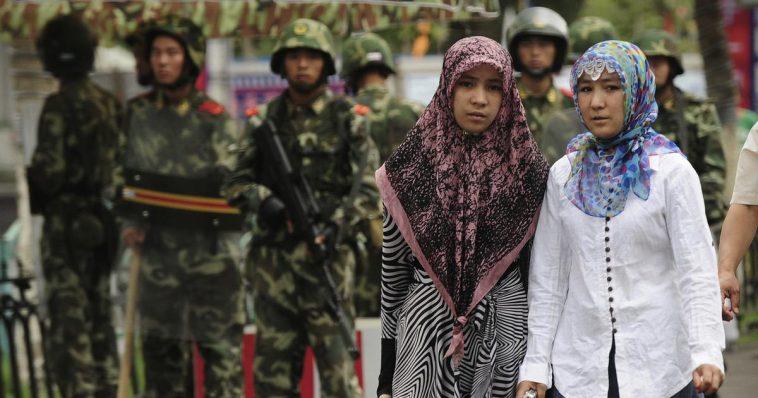 الصين تجبر النساء المسلمات من أقلية الإيغور على إجراء عملية تطهير للرحم