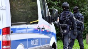 """أخبار ألمانيا: تسليم لاجئ متهم بارتكاب """"جرائم حرب"""" إلى فرنسا"""