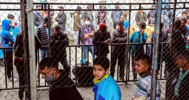 تمديد إجراءات العزل المتعلقة بمكافحة فيروس كورونا في مخيمات المهاجرين في اليونان