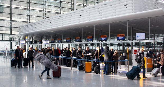 اختبار إلزامي للكشف عن كورونا للمسافرين العائدين إلى ألمانيا