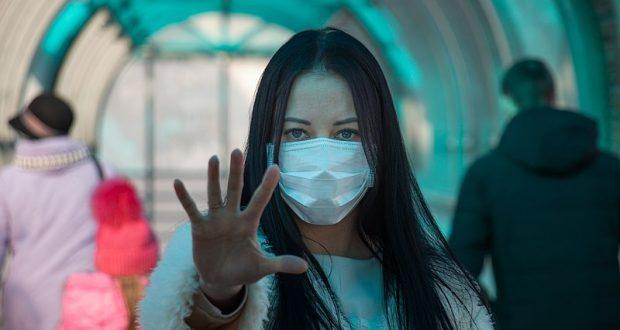 ارتداء الكمامة يقلل من شراسة المرض في حال الإصابة بفيروس كورونا
