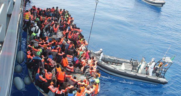 أخبار ألمانيا: مقترح لإنشاء مراكز إنقاذ ولجوء خارج الاتحاد الأوروبي