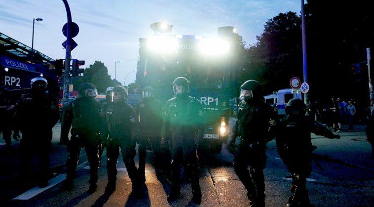 """أخبار ألمانيا: الحكومة الألمانية ترفض """"البحث في شجرة العائلة"""" الذي تجريه الشرطة للتعرف على أصول مثيري الشغب في شتوتغارت"""