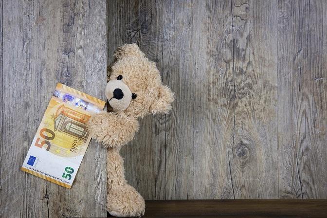 ما هو المبلغ الذي يدخره الألمان في بيوتهم؟ ولماذا يفضلون الدفع بالعملات الورقية؟