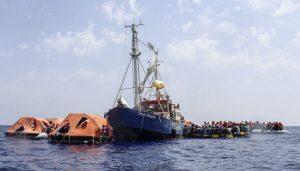 """السلطات الإيطالية تحتجز سفينة الإغاثة الألمانية """"سي ووتش 4"""" في ميناء باليرمو"""
