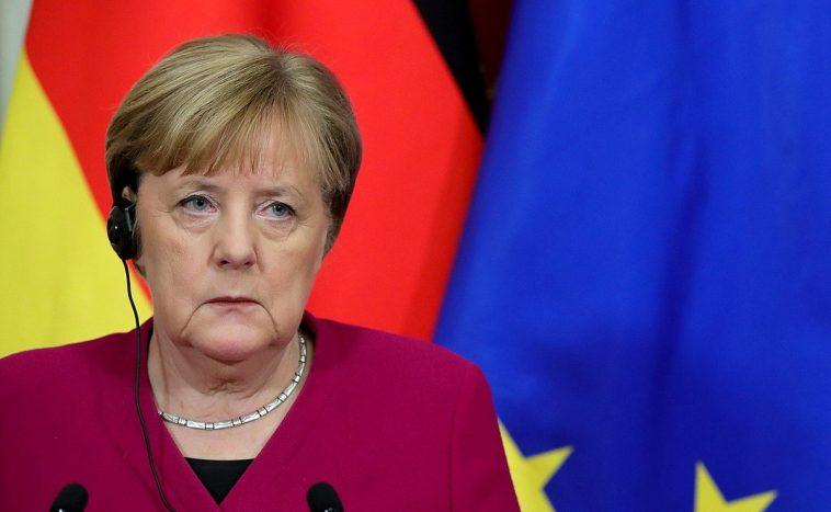 ميركل تكافح لإقناع الأوروبيين باستقبال اللاجئين: 10 آلاف يورو مقابل كل لاجئ