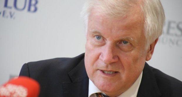 أخبار ألمانيا: وزير الداخلية الألماني يتلقى رسائل تهديد