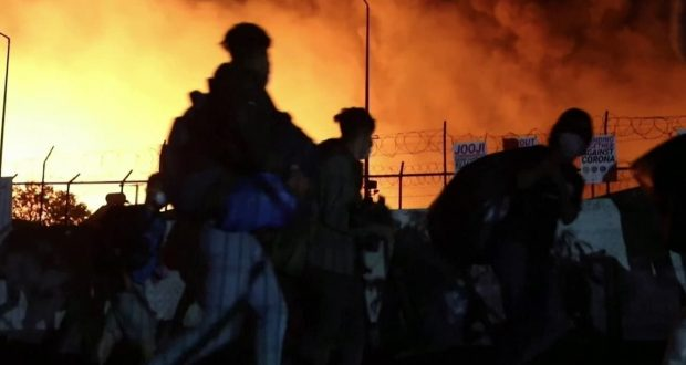 حريق مخيم موريا: اليونان تتعهد بإنشاء مركز استقبال دائم للمهاجرين