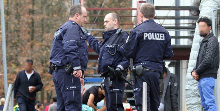 ألمانيا: تورط أفراد من الشرطة والاستخبارات في محادثات عنصرية ومعادية للإسلام