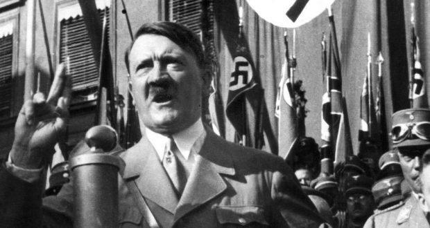 الديكتاتور النازي أدولف هتلر