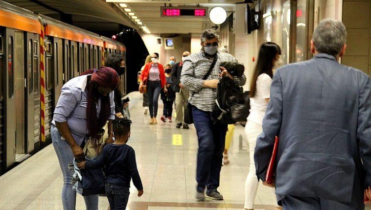 """ألمانيا: ارتفاع مفاجئ بعدد إصابات كورونا وتحذيرات من """"انتشار خارج عن السيطرة"""""""