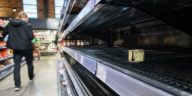 كورونا في ألمانيا: الألمان يعودون إلى سباق التخزين مرة أخرى