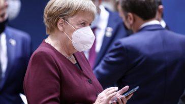 ألمانيا بدأت تفقد السيطرة على الوضع وميركل تدعو إلى إغلاق جزئي لاحتواء كورونا