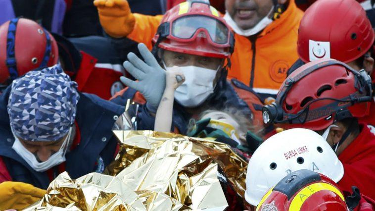 إنقاذ طفلة في الثالثة من العمر بعد 91 ساعة على زلزال تركيا