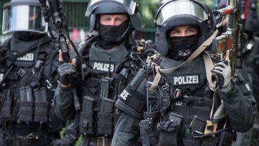 الادعاء العام يتهم 12 يميناً متطرفاً بالتخطيط لهجمات على لاجئين ومسلمين في ألمانيا