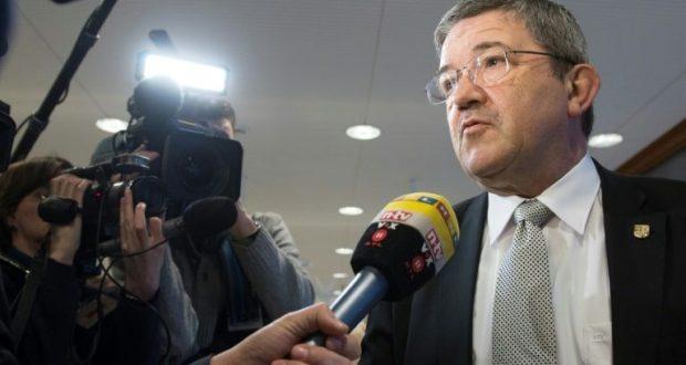 بعد فضيحة شراء سلاح من اليمين المتطرف.. وزير داخلية ولاية ألمانية يستقيل من منصبه