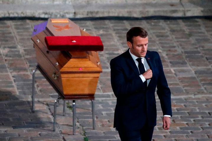 التحقيق في مقتل المدرس الفرنسي: توجيه اتهامات لأربعة تلاميذ إضافيين في القضية