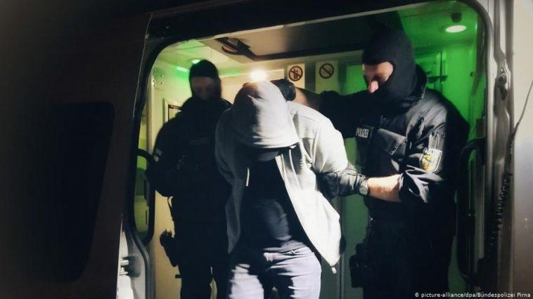 حملة واسعة ضد مهربي البشر في ألمانيا