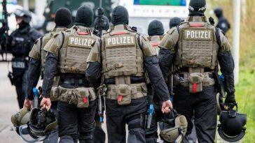 """أخبار ألمانيا: اعتقال مواطن ألماني بتهمة تمويل شبكة دولية تدعم """"الإرهاب في سوريا"""""""