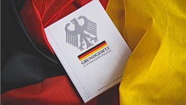 ألمانيا: وزارة العدل الألمانية تقترح إعادة صياغة المادة الثالثة من الدستور الألماني