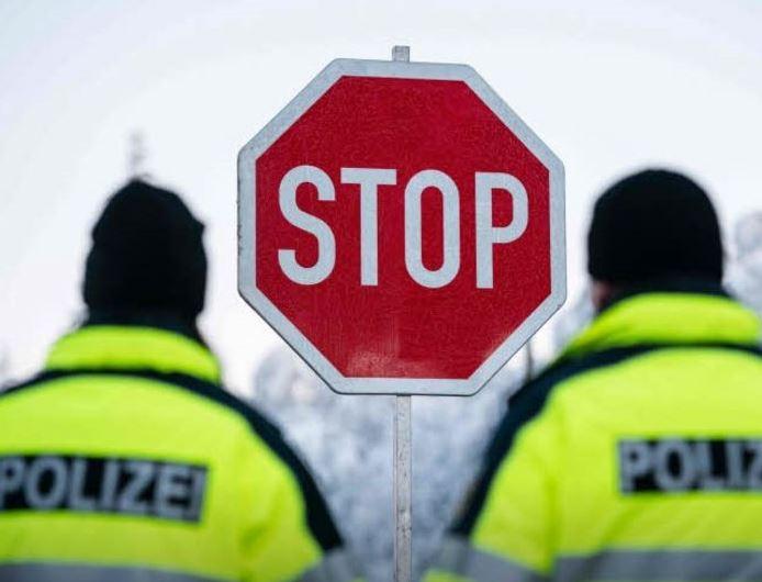 ألمانيا: السلطات ترفض السماح للآلاف بالدخول إلى البلاد عبر المعابر الحدودية