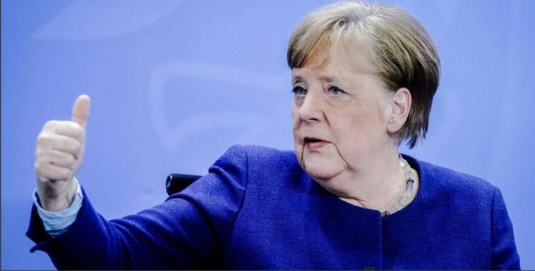 ميركل تؤكد إمكانية توفير لقاح كورونا لكل المقيمين في ألمانيا بحلول هذا التاريخ