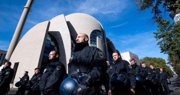 ألمانيا: مطالبات بتوسيع صلاحيات الاستخبارات الداخلية لمراقبة عمل المساجد