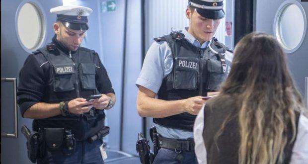 """أخبار ألمانيا: إلقاء القبض على ألمانية """"داعشية"""" في مطار برلين"""