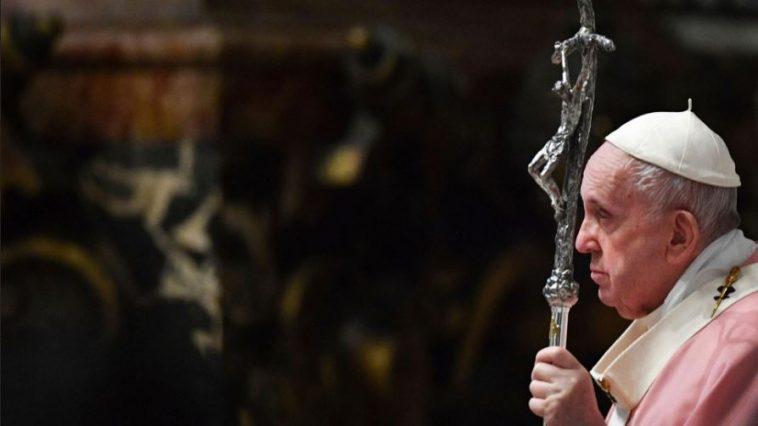الفاتيكان يرفض مباركة زواج المثليين