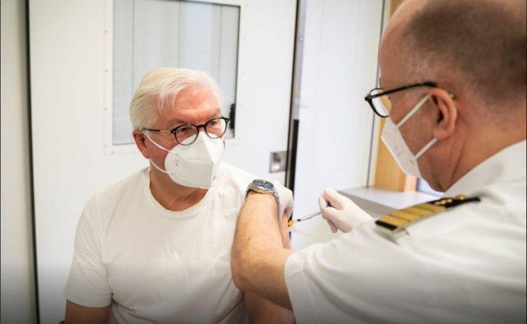 أخبار ألمانيا: الرئيس الألماني يتلقى أول جرعة من لقاح كورونا