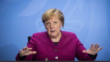 ألمانيا: ميركل تناشد المواطنين الاستغناء عن أي رحلات غير ضرورية في عيد الفصح