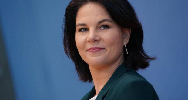 أنالينا بربوك خليفة ميركل؟ مرشحة حزب الخضر تتصدر استطلاعات الرأي في ألمانيا
