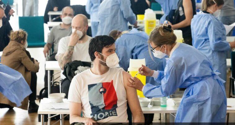 الحصول على لقاح كورونا في ألمانيا: آلاف الأشخاص يغشون لتخطي دور التطعيم