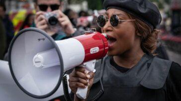 """ساشا جونسون: ناشطة بحركة """"حياة السود مهمة"""" بحالة حرجة إثر تعرضها لإطلاق نار"""