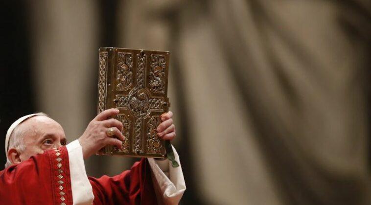 الكنيسة الكاثوليكية تشدد العقوبات على رجال الدين المتحرشين بالأطفال