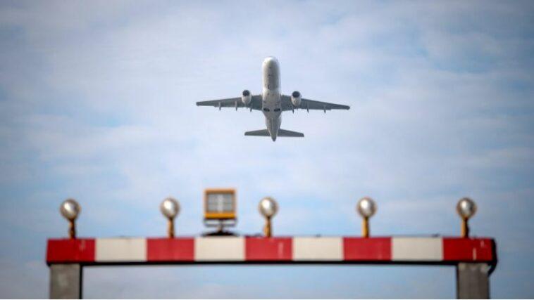 ألمانيا تعتزم رفع تحذيرات السفر إلى دول مصنفة بأنها عالية الخطورة بسبب كورونا