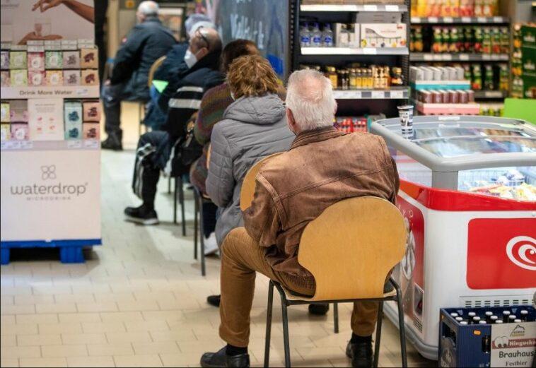 ألمانيا لقاح كورونا في السوبر ماركت
