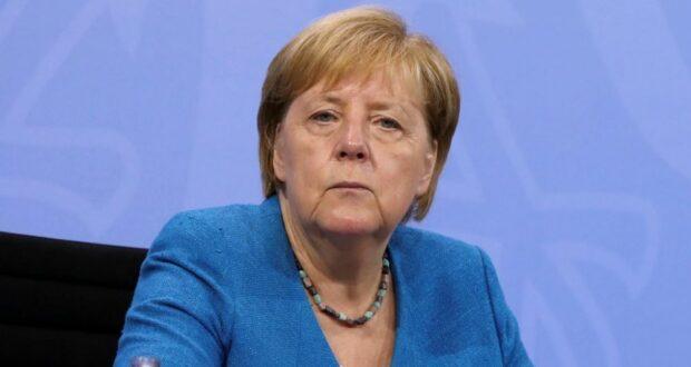 ميركل: يتعين على ألمانيا إجلاء 10 آلاف شخص من أفغانستان