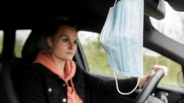 ألمانيا: إلزامية الكمامات في السيارات